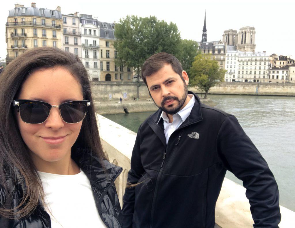 Couple Travel Paris
