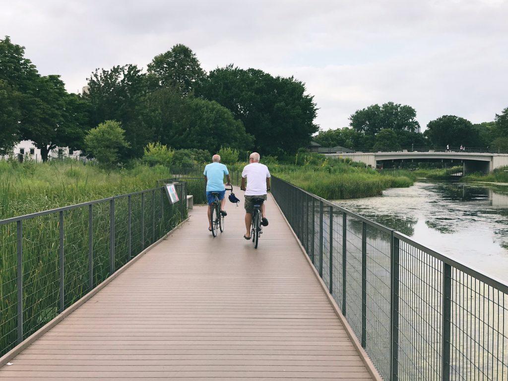 biking chicago