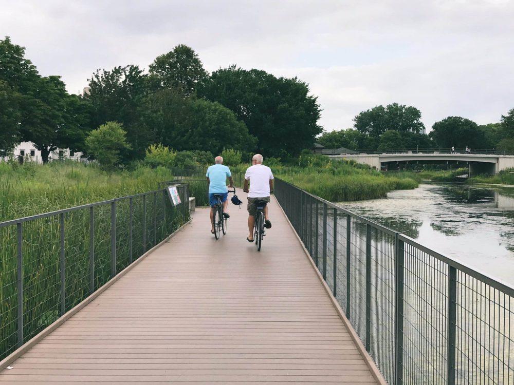 biking south pond chicago
